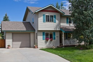Home sold for $400,000 in the Mountain Area in Steamboat Springs