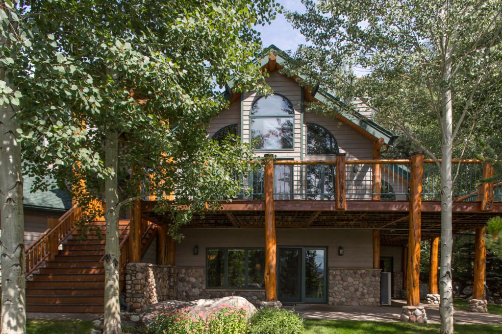 695 Meadowbrook Circle - an outright mountain home retreat