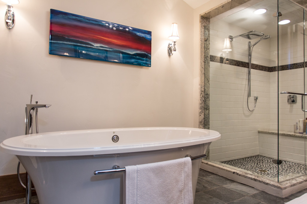 luxury bathroom, soaker tub, massage tub