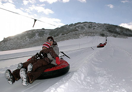sledding at saddleback ranch, sledding steamboat springs, saddleback ranch, things to do with kids in steamboat, family friendly winter activities, family fun
